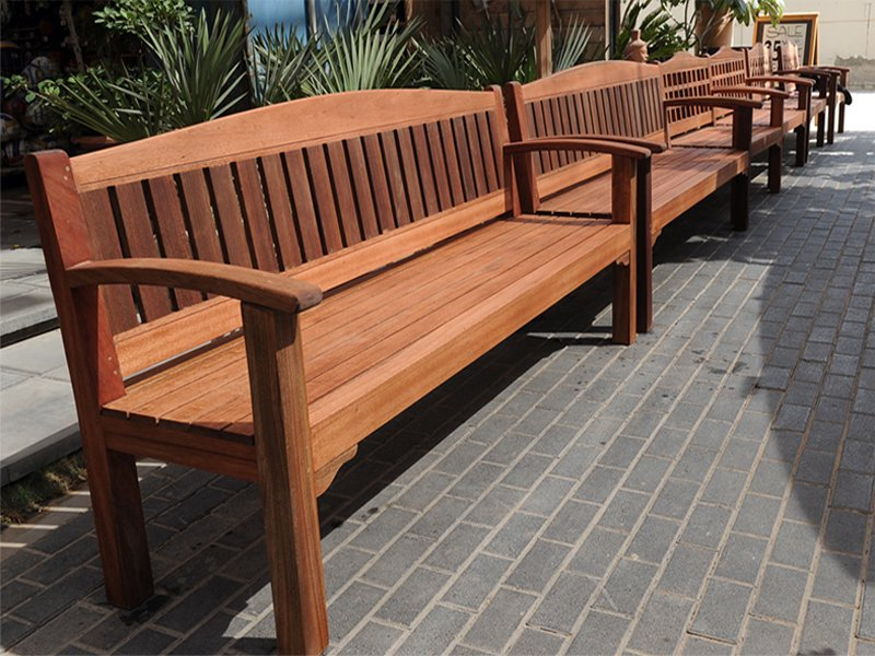 Customized or Ready-Made Outdoor Furniture