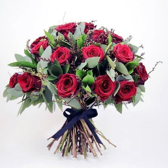 Valentines Fragrance Red Roses Bouquet - Fresh flowers - Dubai Garden Centre